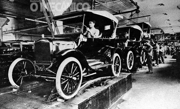 Ford comemora 98 anos de Brasil e 90 anos do fim da produção do Model T