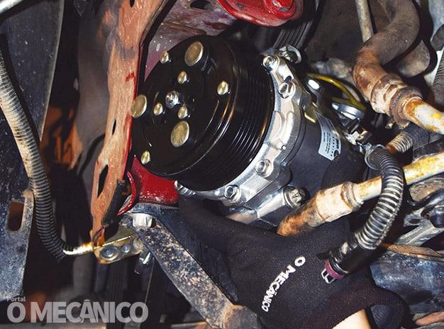 Climatização: Compressor de Ar-condicionado do Chevrolet Corsa 2009