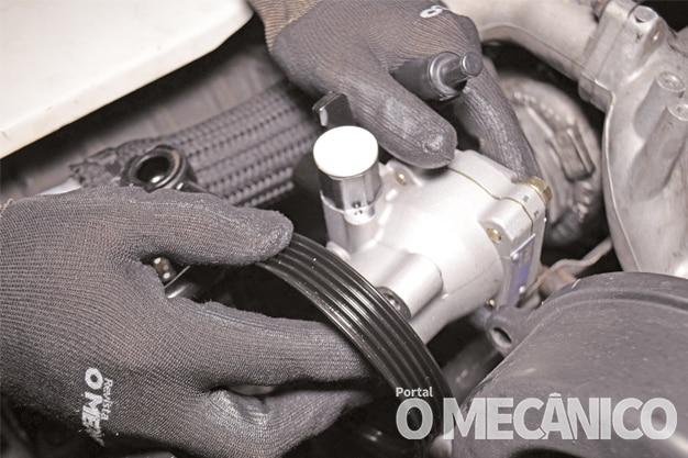 Direção: Substituição da bomba da direção hidráulica no Hyundai HR