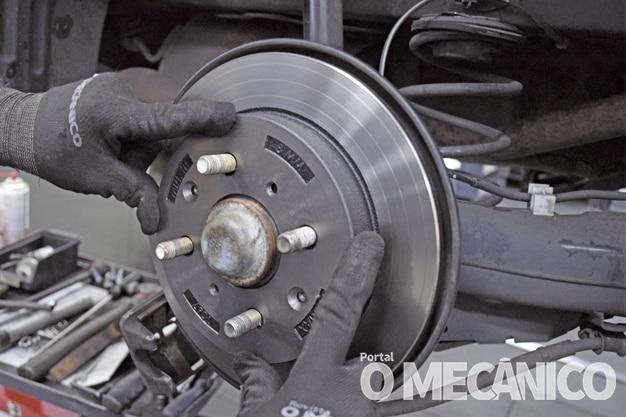 Substituição dos discos e pastilhas no Honda Fit 2009