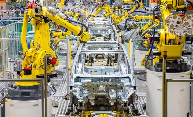 VW comemora 20 anos da fábrica no Paraná e inicia a produção do T-Cross