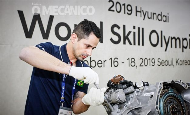 Hyundai premia desempenho de mecânico brasileiro