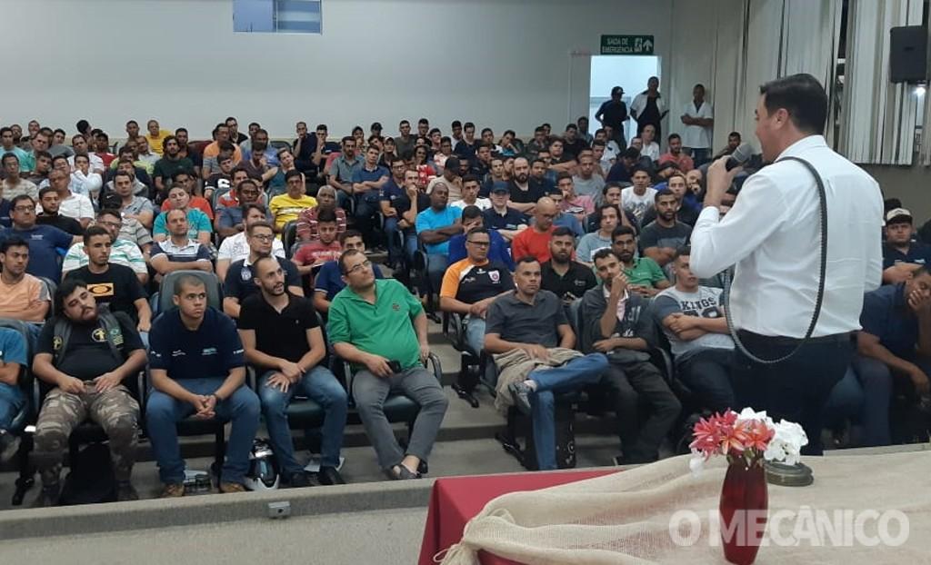 Dayco treina mais de 8 mil mecânicos no último ano