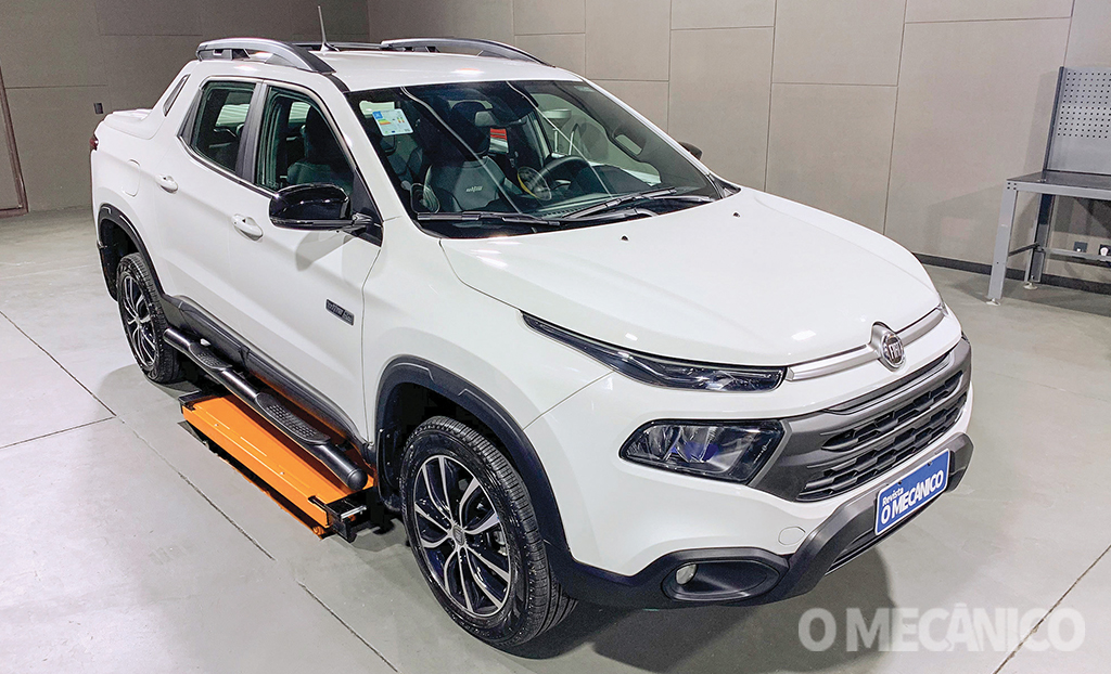 Raio X: Fiat Toro Ultra 2021
