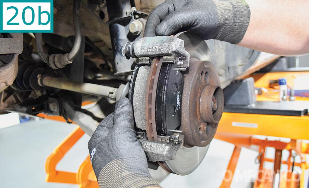 Manutenção dos freios dianteiros do Renault Kwid